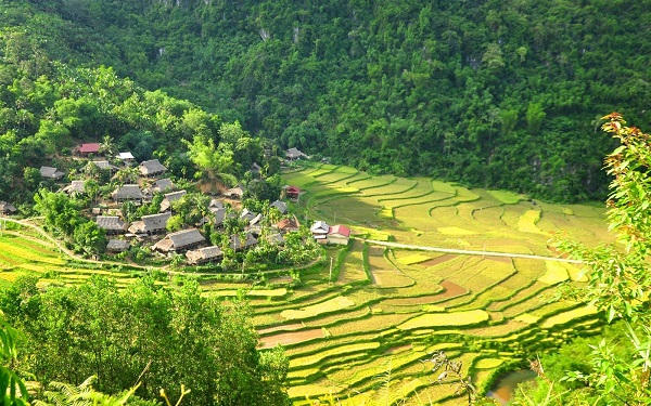 Mai Chau Pu Luong trekking 3 days 2 night tour